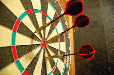 darts, dart board