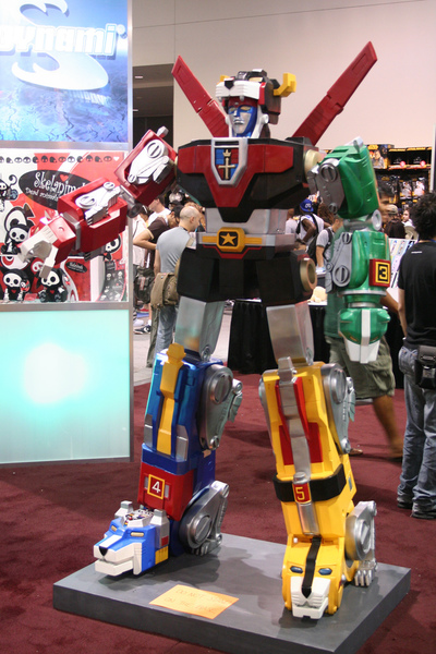 Voltron, Voltron costume, eighties cartoons, giant robot
